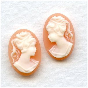 Girl in Ponytail Cameo Ivory on Angel Skin 14x10mm