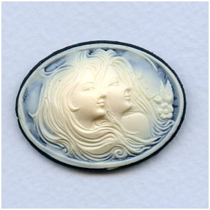 ^Sisters Cameo Ivory on Jet 40x30mm