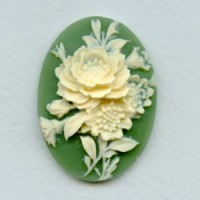 ^Flower Bouquet Cameo Ivory on Green 40x30mm (1)