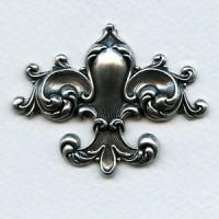 Fleur-de-lys Oxidized Silver Stamping 55mm (1)