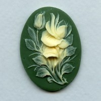 ^Cameo Ivory Rose on Green Background 40x30mm