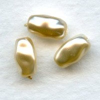 Faux Baroque Pearls Glass Base 8x5mm Creme (24)