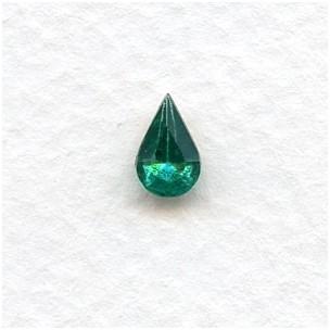 ^Emerald 8x5mm Pear Shaped Stones (12)