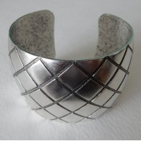 Quilted Texture 38mm Wide Cuff Oxidized Silver (1)