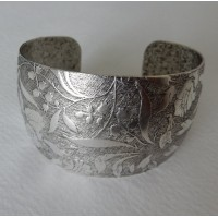 Embossed Oxidized Silver Domed Tapered Cuff 36mm (1)