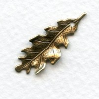 Small Oak Leaves With Hole Oxidized Brass 27mm (6)