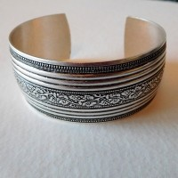 Floral Embossed Oxidized Silver Cuff 25mm