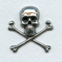 Skull and Crossbones 30x31mm Oxidized Silver (1)