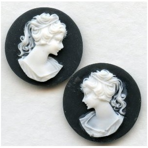 Cameos Girl in a Ponytail White on Black 18mm