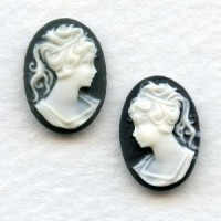 Girl in Ponytail Cameo Ivory on Jet 14x10mm