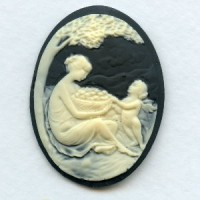 ^Cameo Woman and Child Ivory on Black 40x30mm