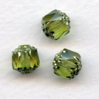 ^Cathedral Beads Olivine Shine 8mm