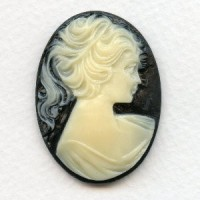 ^Cameo Girl in a Ponytail Ivory on Jet 40x30mm
