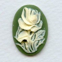 Cameos Ivory Rose on Green Background 25x18mm