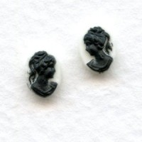 Cameos Black on White Background 8x6mm