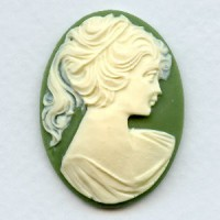 Cameo Ivory on Green Girl in a Ponytail 40x30mm