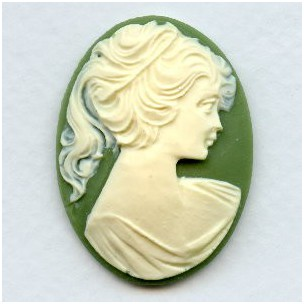 ^Cameo Ivory on Green Girl in a Ponytail 40x30mm