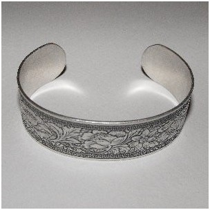 Floral Embossed Oxidized Silver Cuff 19mm (1)